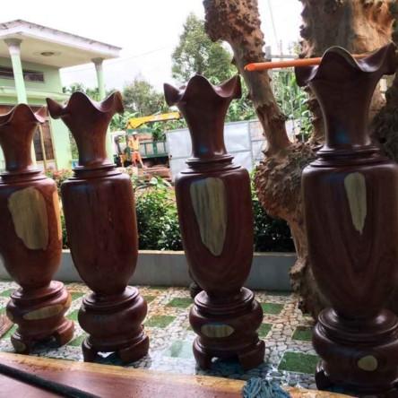 Lục bình gỗ Cẩm lai