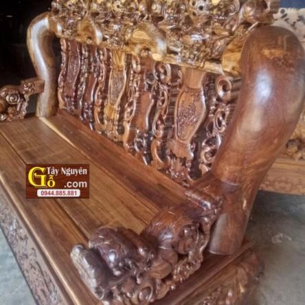 Bàn ghế gỗ Chiu Liu cột 18